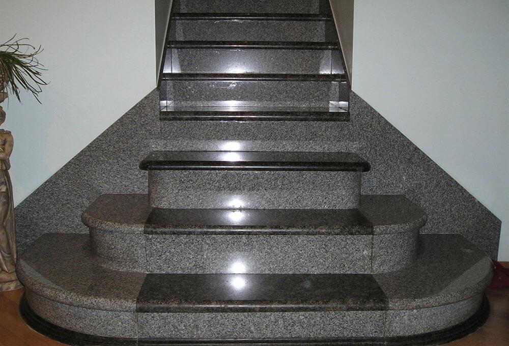 granit-basamak-bergama-grisi-oztas-mermer-granit-ankara